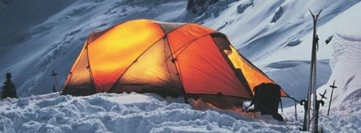 linternas led fenix acampada